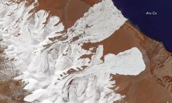 Satellite image of both avalanches taken from NASA's Terrasatellite on October 4, 2016. Photo. NASA Earth Observatory